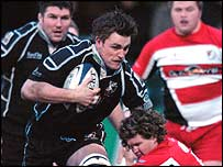 James Bater's forceful run paved the way for Andy Newman (behind) to score the Ospreys' first try