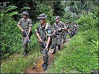Soldados brasile�os patrullan la regi�n donde fue asesinada la monja