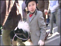 Young hunt supporter