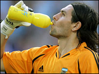 Argentine goalkeeper German Lux drinks during a match