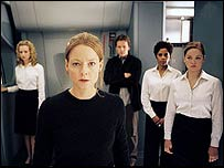 Jodie Foster with other Flightplan cast members
