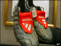 David Beckham's boots adorned with tributes to his sons