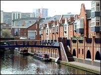 Canal scene, Birmingham - (c) Freefoto.com