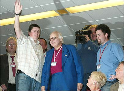 Heckler Walter Wolfgang, 82, is welcomed on his return to the Labour conference