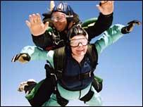 Daphne Barson skydiving