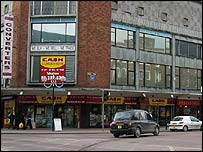 Blue plaque location, on corner of High Street and Bridge Street