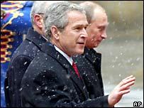President George W Bush (front) and President Vladimir Putin in Bratislava
