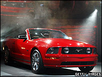 Ford Mustang Convertible unveiled at the 2005 Los Angeles Auto Show