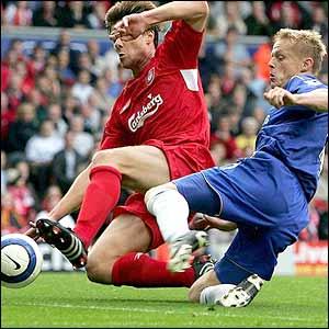 Damien Duff scores Chelsea's second goal