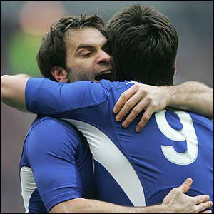 Christophe Dominici congratulates Yachvili
