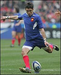 Dimitri Yachvili prepares to kick