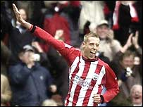 Peter Crouch celebrates