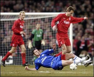 Frank Lampard tackles Dietmar Hamman