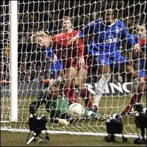 Didier Drogba puts Chelsea ahead