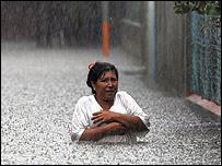 V�ctima de la tormenta Stan en Guatemala