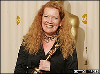 Andrea Arnold with her Oscar