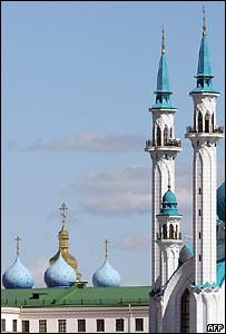 Мечеть и церковь в Казани