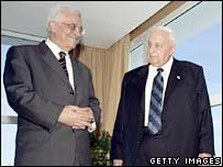Ariel Sharon and Mahmoud Abbas, 8 February 2005