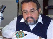 Archaeologist Dr Walter Alva (BBC)