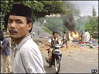 Muslim rioters on the island of Lombok in 2000
