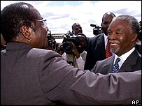 Presidents Robert Mugabe (l) and Thabo Mbeki (r)