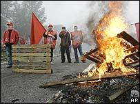 Unions' blockade