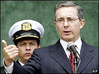 �lvar Uribe, presidente de Colombia.