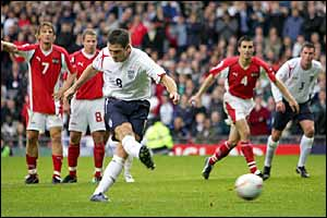 Lampard wrong-foots the keeper to give England a 1-0 lead