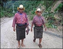 Miguel P�rez Sicay, un ind�gena maya cachiquel, que caminaba junto a su hermano