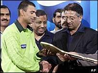Saqlain Mushtaq and Pervez Musharraf