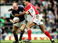 Lawrence Dallaglio (L) and Brian Lima
