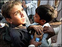 Niños en Muzaffarabad, capital de Cachemira, Pakistán