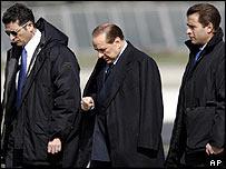 Italian Prime Minister Silvio Berlusconi (centre)