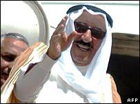 Kuwaiti PM Sheikh Sabah al-Sabah boards a plane