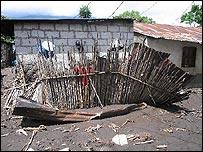 Vivienda destruida en Panabaj (Foto, Mariusa Reyes)