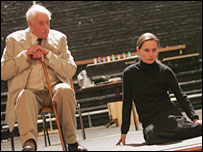 Graham Crowden and Tara Fitzgerald in rehearsal