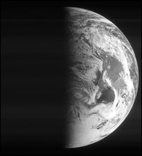 Rosetta pictures the earth (Esa)