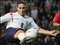 Frank Lampard scores the winning goal