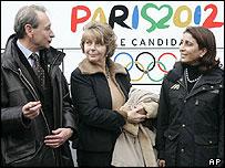 Paris mayor Bertrand Delanoe welcomes IOC officials