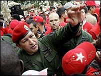 Ông Hugo Chavez