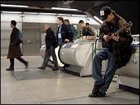 Músico en el Metro de Londres