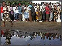 Liberians queue to vote