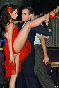 Zoe Hardman and Ewan McGregor in Guys and Dolls