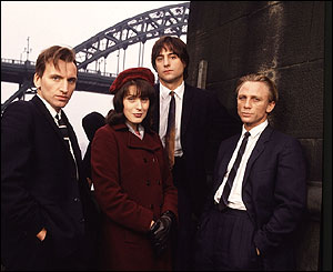 Christopher Ecclestone, Gina McKee, Mark Strong and Daniel Craig in Our Friends in the North