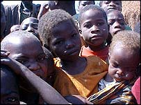 Displaced children in Angola