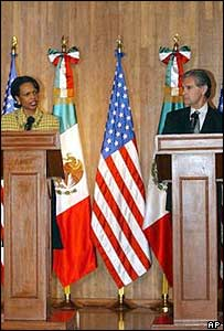 US Secretary of State Condoleezza Rice and Mexican Foreign Minister Luis Ernesto Derbez in Mexico City