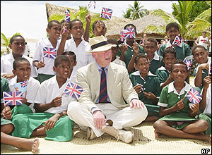 Prince Charles met children from the Malolo District School on the beach