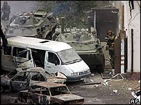Russian troops close in on militants in Nalchik