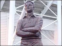 Statue of Ivor Allchurch