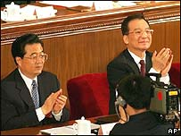 Chinese President Hu Jintao (l) and Prime Minister Wen Jiabao
